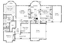 Traditional Floor Plan - Main Floor Plan Plan #927-11