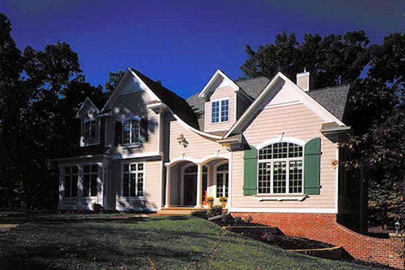 Colonial Exterior - Front Elevation Plan #70-520