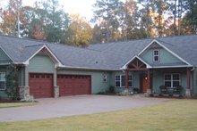 Dream House Plan - Craftsman Exterior - Front Elevation Plan #437-52