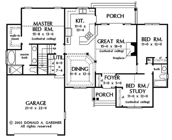Traditional Floor Plan - Main Floor Plan Plan #929-57