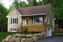 Cottage Exterior - Front Elevation Plan #23-685