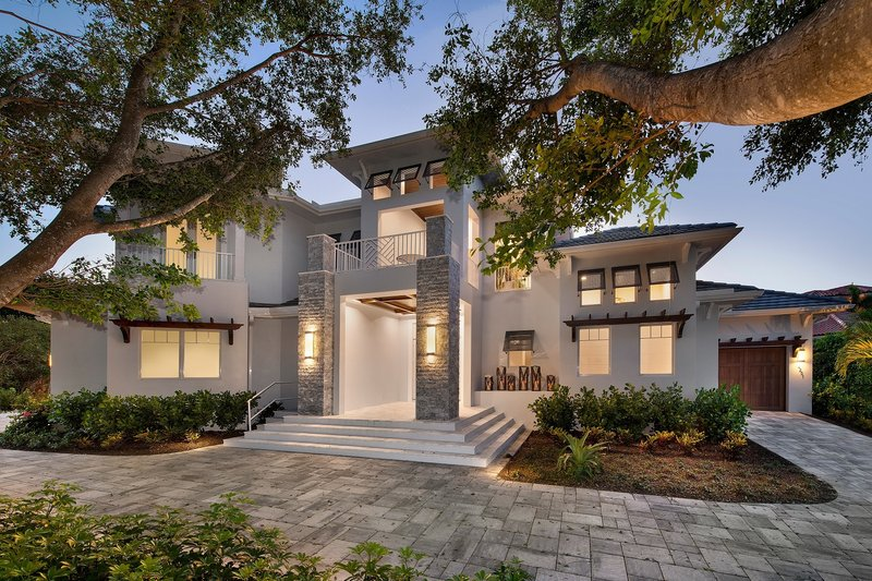 Contemporary Style House Plan - 5 Beds 8 Baths 6001 Sq/Ft Plan #548-25