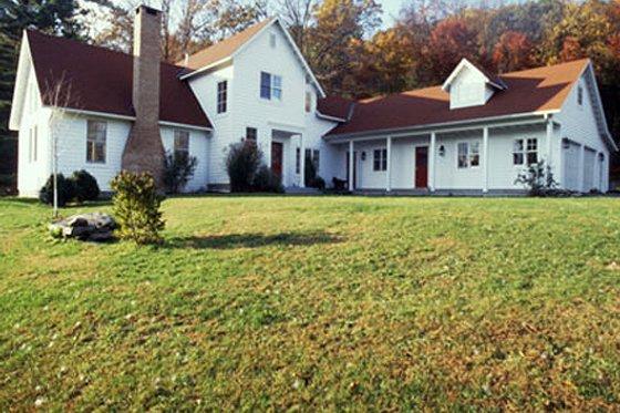 Farmhouse Exterior - Front Elevation Plan #510-2