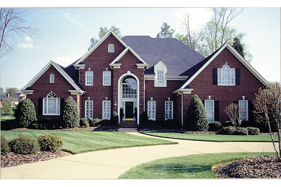 Traditional Exterior - Front Elevation Plan #453-38
