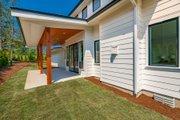 Farmhouse Style House Plan - 3 Beds 2.5 Baths 1954 Sq/Ft Plan #1070-151