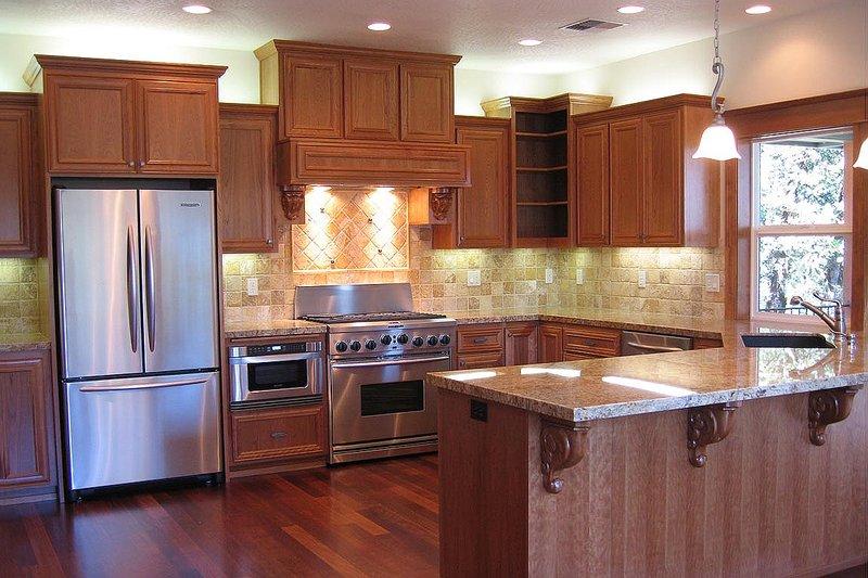 Craftsman Interior - Kitchen Plan #124-622 - Houseplans.com