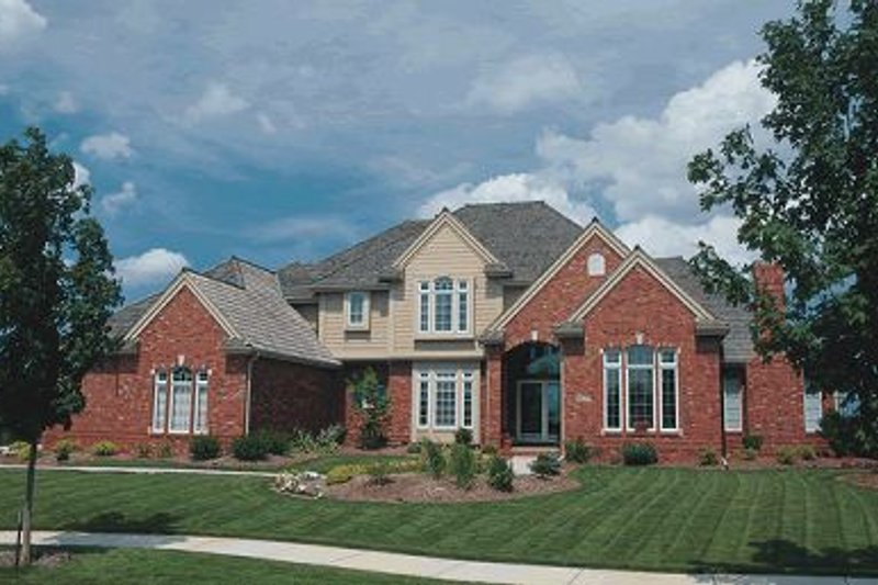 European Style House Plan - 4 Beds 4.5 Baths 3623 Sq/Ft Plan #20-287 Exterior - Front Elevation