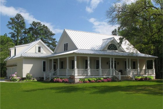 House Plan Design - Farmhouse Exterior - Front Elevation Plan #137-252