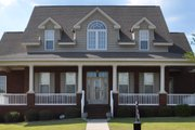 Traditional Style House Plan - 4 Beds 3 Baths 2865 Sq/Ft Plan #63-274 Exterior - Front Elevation