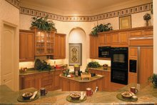 Mediterranean Interior - Kitchen Plan #930-491