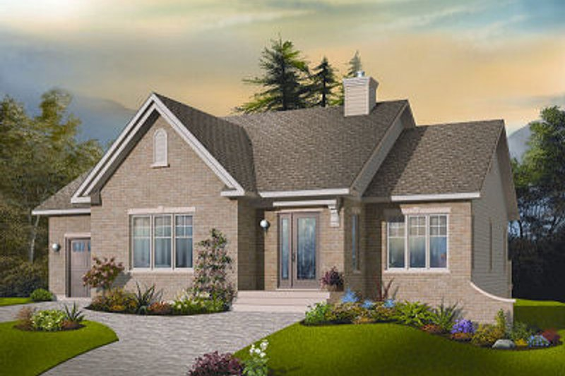Traditional Exterior - Front Elevation Plan #23-792 - Houseplans.com
