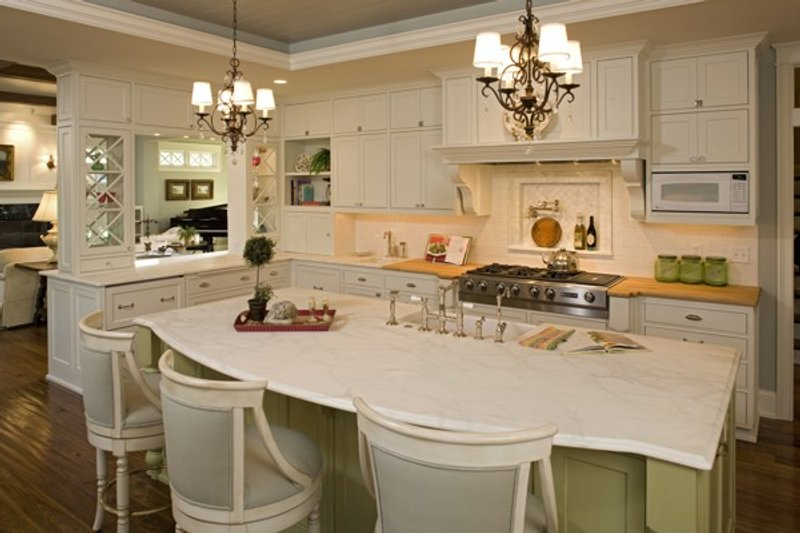 Traditional Interior - Kitchen Plan #56-604 - Houseplans.com