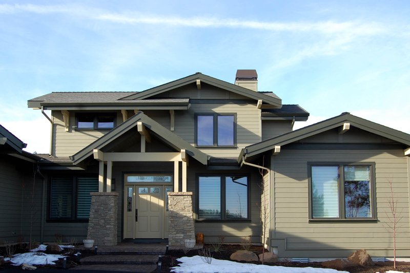 Craftsman Style House Plan - 3 Beds 2.5 Baths 3266 Sq/Ft Plan #895-33 Exterior - Front Elevation