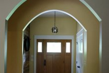 Craftsman Interior - Entry Plan #932-10