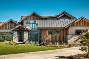 Traditional Style House Plan - 4 Beds 4.5 Baths 4100 Sq/Ft Plan #895-59 Exterior - Front Elevation
