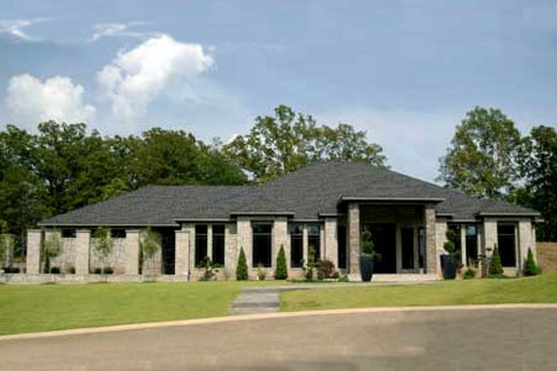 Ranch Style House Plan - 3 Beds 2.5 Baths 3374 Sq/Ft Plan #17-2273 Exterior - Front Elevation