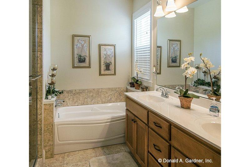 Country Interior - Master Bathroom Plan #929-704 - Houseplans.com