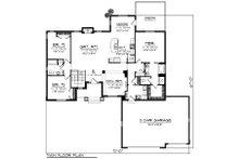Craftsman Floor Plan - Main Floor Plan Plan #70-1195