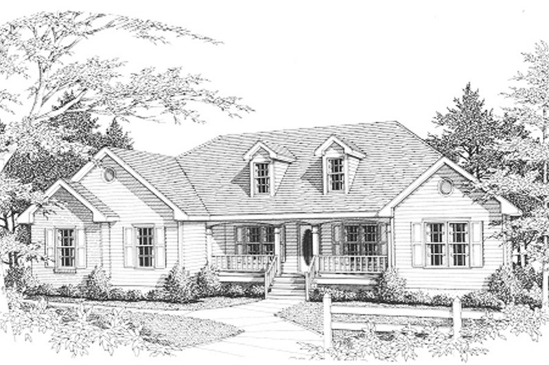 Traditional Style House Plan - 3 Beds 2 Baths 1804 Sq/Ft Plan #10-101 Exterior - Front Elevation