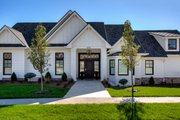 Ranch Style House Plan - 3 Beds 2 Baths 2784 Sq/Ft Plan #70-1467 Exterior - Front Elevation
