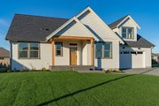 Craftsman Style House Plan - 3 Beds 2 Baths 1939 Sq/Ft Plan #1070-52 Exterior - Front Elevation