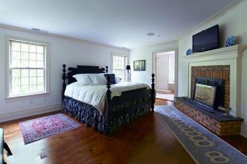 Colonial Interior - Master Bedroom Plan #137-207 - Houseplans.com