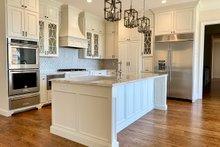Craftsman Interior - Kitchen Plan #437-105