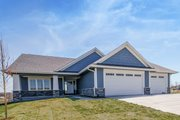 Ranch Style House Plan - 2 Beds 2 Baths 1736 Sq/Ft Plan #70-1484