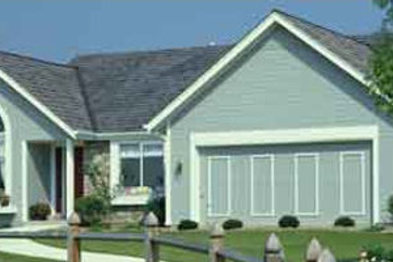 Country Style House Plan - 3 Beds 2 Baths 1283 Sq/Ft Plan #320-380 Exterior - Front Elevation