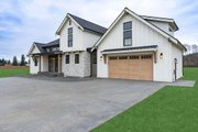 Country Style House Plan - 3 Beds 2.5 Baths 2490 Sq/Ft Plan #1070-33