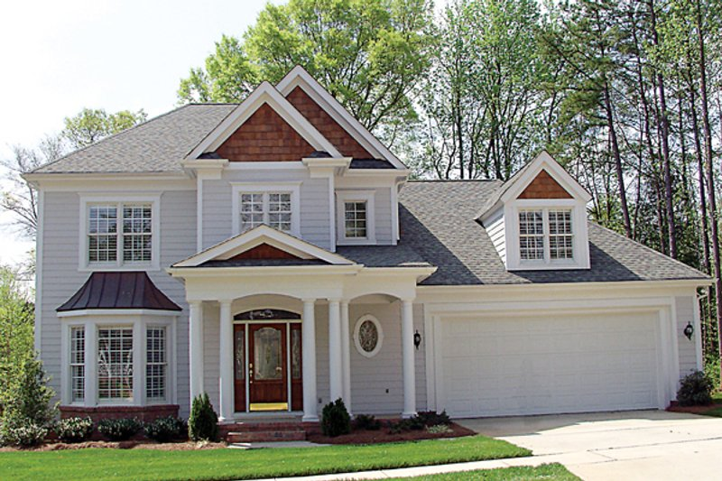 Colonial Style House Plan - 3 Beds 2.5 Baths 2808 Sq/Ft Plan #453-88 Exterior - Front Elevation
