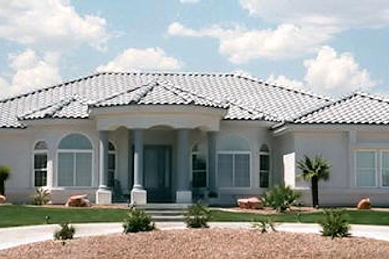 Mediterranean Style House Plan - 4 Beds 2.5 Baths 2898 Sq/Ft Plan #1-705 Exterior - Front Elevation