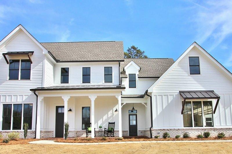 Dream House Plan - Farmhouse Exterior - Front Elevation Plan #927-990