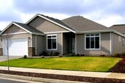 Traditional Style House Plan - 4 Beds 2 Baths 2085 Sq/Ft Plan #133-106 Exterior - Front Elevation