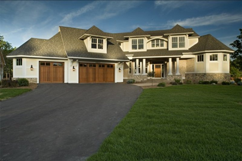 Traditional Style House Plan - 4 Beds 4.5 Baths 5476 Sq/Ft Plan #56-600 Exterior - Front Elevation