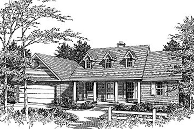 Colonial Style House Plan - 3 Beds 2 Baths 1298 Sq/Ft Plan #14-139 Exterior - Front Elevation