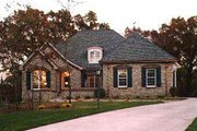 Traditional Style House Plan - 3 Beds 2.5 Baths 2396 Sq/Ft Plan #70-382 Photo