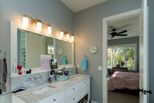 House Plan Design - Craftsman Interior - Master Bathroom Plan #70-1470