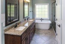 Craftsman Interior - Master Bathroom Plan #929-953
