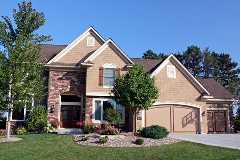 Traditional Style House Plan - 4 Beds 2.5 Baths 3001 Sq/Ft Plan #51-444 Exterior - Front Elevation