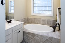 House Plan Design - Craftsman Interior - Master Bathroom Plan #929-428