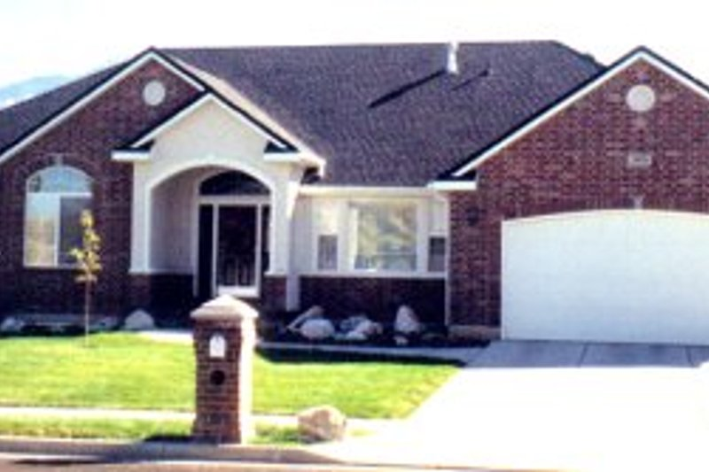 Ranch Style House Plan - 3 Beds 2.5 Baths 2084 Sq/Ft Plan #5-126 Exterior - Front Elevation