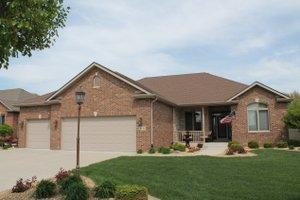 House Plan Design - Ranch Exterior - Front Elevation Plan #20-2267