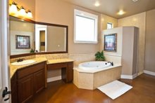 Craftsman Interior - Master Bathroom Plan #80-205