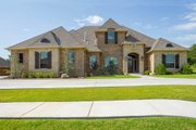 Mediterranean Style House Plan - 4 Beds 3.5 Baths 3360 Sq/Ft Plan #65-539 Exterior - Front Elevation