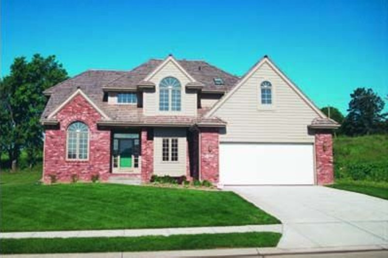 Traditional Exterior - Front Elevation Plan #20-758 - Houseplans.com