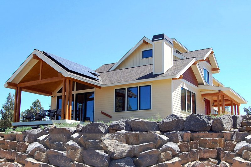 Country Style House Plan - 3 Beds 2.5 Baths 3016 Sq/Ft Plan #895-10 Exterior - Rear Elevation