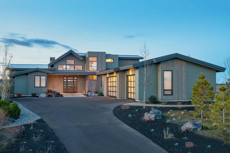 Contemporary Exterior - Front Elevation Plan #892-15 - Houseplans.com