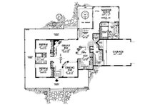 Farmhouse Floor Plan - Main Floor Plan Plan #72-132