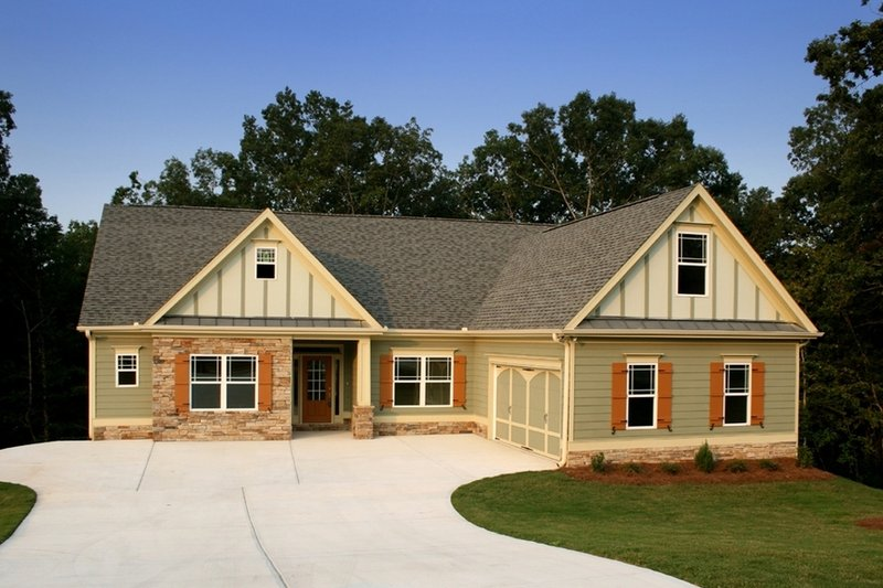 Traditional Exterior - Front Elevation Plan #419-145 - Houseplans.com